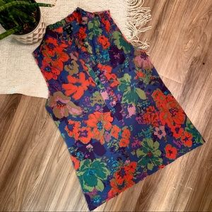 J. Crew | GORGEOUS flower top size 2